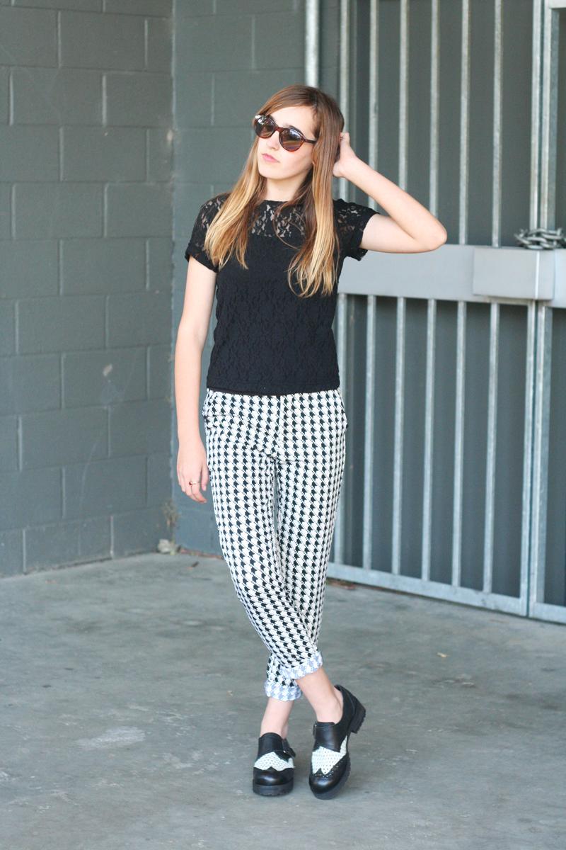EmilyJane X Choies HoundstoothPrintedPantsTopShopFlatsBlackLaceTopSunglasses fashionbeautybloggerteenagervloggerstyle1